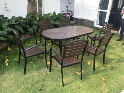 ý tưởng ngoại thất cho sân vườn với bộ bàn ghế ngoài trời đẹp