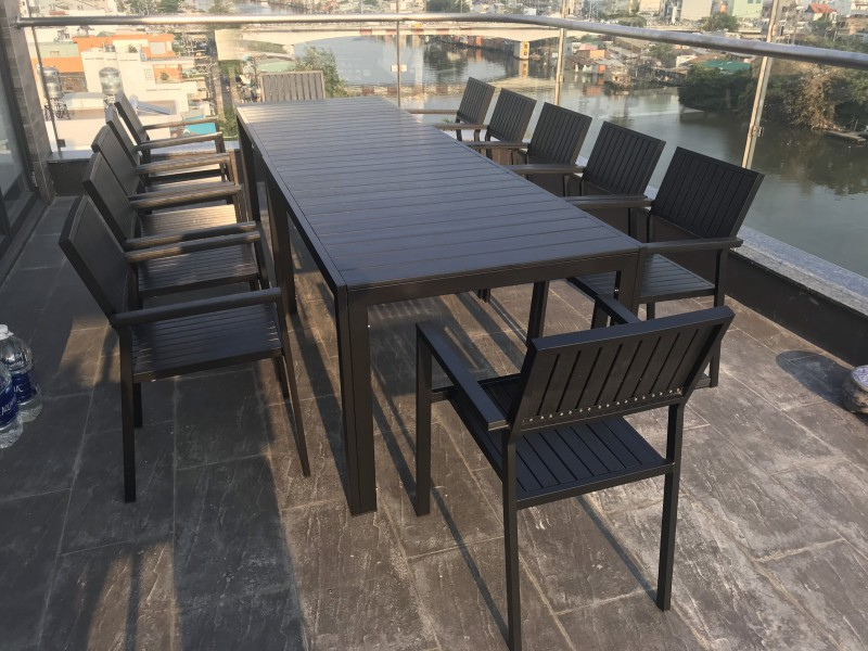 Bộ bàn ghế ngoài trời gam màu đen sang trọng cao cấp